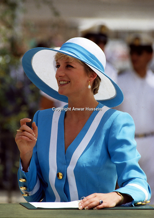 Diana, Princess of Wales visits Commonwealth War Graves during her visit to Egypt in May, 1992..Photo: Anwar Hussein