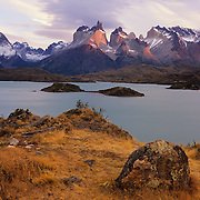 Las Cuernos and Lago Pehoe at sunrise