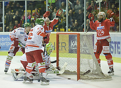 27.09.2015, Stadthalle, Klagenfurt, AUT, EBEL, EC KAC vs HCB Suedtirol, im Bild 3:2 durch Martin Schumnig (EC KAC, #28), Manuel Geier (EC KAC, #21), DiCasmirro Nate (HCB Suedtirol #24), Saviano Steve (HCB Suedtirol #12) // during the Erste Bank Eishockey League match betweeen EC KAC and HCB Suedtirol at the City Hall in Klagenfurt, Austria on 2015/09/27. EXPA Pictures © 2015, PhotoCredit: EXPA/ Gert Steinthaler