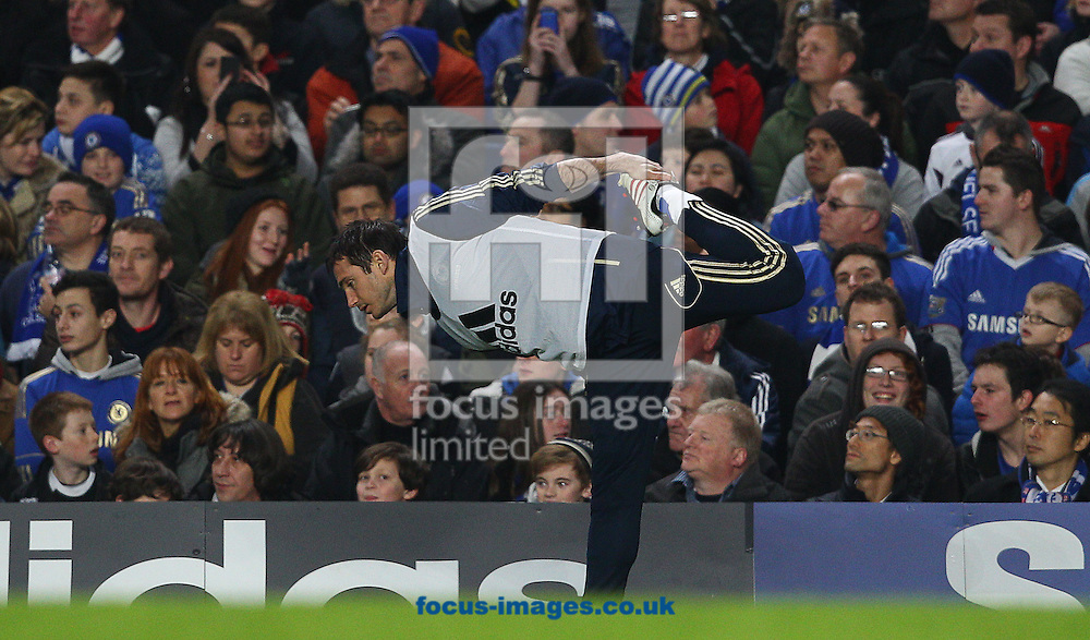Picture by Paul Terry/Focus Images Ltd +44 7545 642257.09/01/2013.Frank Lampard of Chelsea warms up during the during the Capital One Cup match at Stamford Bridge, London.