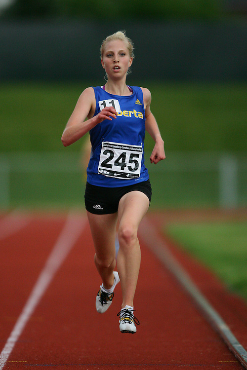 (Charlottetown, Prince Edward Island -- 20090718) Alana Soderberg of Edmonton Thunder competes in the 3000m finals at the 2009 Canadian Junior Track & Field Championships at UPEI Alumni Canada Games Place on the campus of the University of Prince Edward Island, July 17-19, 2009.  Geoff Robins / Mundo Sport Images ..Mundo Sport Images has been contracted by Athletics Canada to provide images to the media.