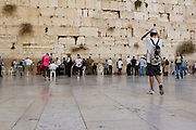 Israel, Jerusalem, Old City, Jews pray at the Wailing Wall