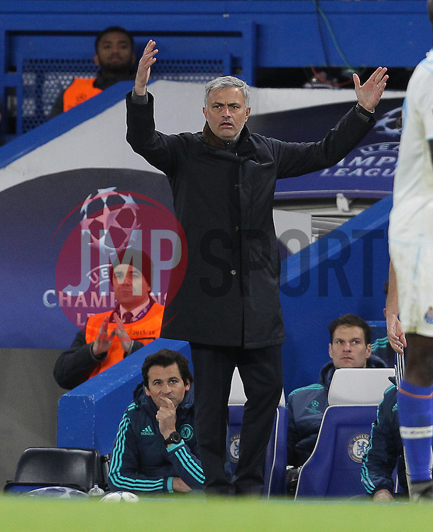 Chelsea Manager Jose Mourinho - Mandatory byline: Paul Terry/JMP - 09/12/2015 - Football - Stamford Bridge - London, England - Chelsea v FC Porto - Champions League - Group G