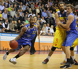 01.11.2014, EWE Arena, Oldenburg, GER, Beko Basketball BL, EWE Baskets Oldenburg vs Basketball Löwen Braunschweig, 7. Runde, im Bild Dru Joyce (Braunschweig, ehemals Baskets Oldenburg) am Ball, daneben Nemanja Aleksandrov (Oldenburg) gegen Tim Abromaitis (Braunschweig) //  during the Beko Basketball Bundes league 7th round match between EWE Baskets Oldenburg vs Basketball Lions Braunschweig at the EWE Arena in Oldenburg, Germany on 2014/11/01. EXPA Pictures © 2014, PhotoCredit: EXPA/ Eibner-Pressefoto/ Hibbeler<br /> <br /> *****ATTENTION - OUT of GER*****