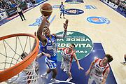 DESCRIZIONE : Sassari Lega A 2014-15 Dinamo Banco di Sardegna Sassari - Grissin Bon Reggio Emilia  Finale playoff  gara 4<br /> GIOCATORE :Kadji Kenny<br /> CATEGORIA :  Low Special Tiro<br /> SQUADRA : Banco di Sardegna Sassari<br /> EVENTO : LegaBasket Serie A Beko 2014/2015<br /> GARA : Dinamo Banco di Sardegna Sassari - Grissin Bon Reggio Emilia Finale playoff gara 4<br /> DATA : 20/06/2015 <br /> SPORT : Pallacanestro <br /> AUTORE : Agenzia Ciamillo-Castoria /Richard Morgano<br /> Galleria : Lega Basket A 2014-2015 Fotonotizia : Sassari Lega A 2014-15 Dinamo Banco di Sardegna Sassari - Grissin Bon Reggio Emilia playoff Semifinale gara 4<br /> Predefinita :