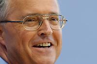 15 MAY 2003, BERLIN/GERMANY:<br /> Hans Eichel, SPD, Bundesfinanzminister, waehrend der Pressekonferenz zur Steuerschaetzung, Bundespressekonferenz<br /> IMAGE: 20030515-01-008<br /> KEYWORDS: Steuerschätzung, BPK