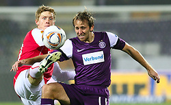 03.11.2011, Generali Arena, Wien, AUT, UEFA EL, FK Austria Wien vs AZ Alkmaar, im Bild Zweikampf zwischen Rasmus Elm, (AZ Alkmaar, #20) und Tomas Jun, (FK Austria Wien, #11)  // during football match between FK Austria Wien (AUT) and AZ Alkmaar (NED) Group Stage (Group G), on November 3rd, 2011 at Generali Arena, Austria. EXPA Pictures © 2011, PhotoCredit: EXPA/ T. Haumer