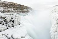 Impressionen aus der Schlucht des Flusses Hvítá mit dem weltberühmten Wasserfall Gullfoss im Tal Haukadalur im Südwesten von Island mitten auf dem Mittelatlantischen Rücken.