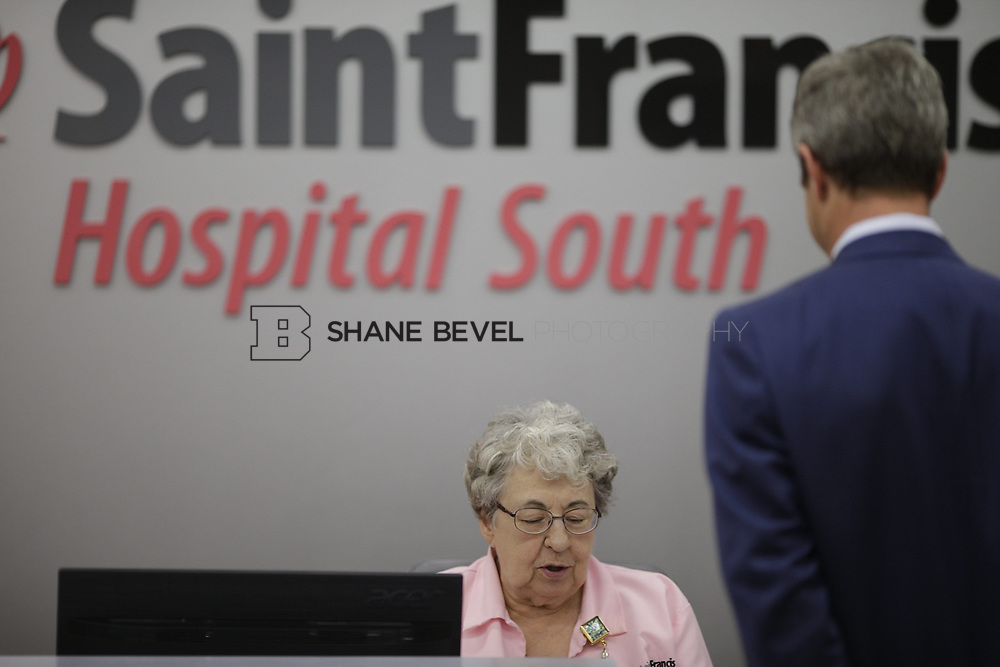 8/9/17 1:47:54 PM -- Photos of Saint Francis South employees and David Weil. <br /> <br /> Photo by Shane Bevel