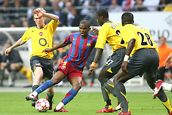 PARIS, FRANCE - WEDNESDAY, MAY 17th, 2006: FC Barcelona's Samuel Eto'o during the UEFA Champions League Final at the Stade de France. (Pic by David Rawcliffe/Propaganda)