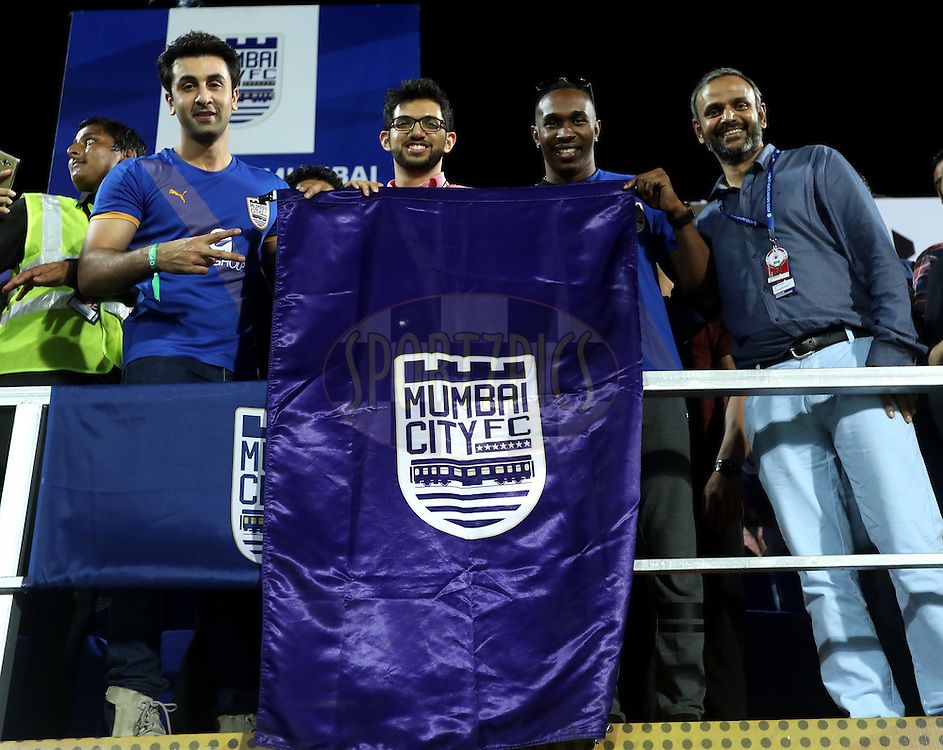 Ranbir Kapoor, actor and co-owner of Mumbai City FC, Aditya Thackeray yuva sena leader, Dwyen Bravo west indies cricket playe and  Sundar Raman CEO of Sports Reliance Industries during match 7 of the Indian Super League (ISL) season 3 between Mumbai City FC and NorthEast United FC held at the Mumbai Football Arena in Mumbai, India on the 7th October 2016.<br /> <br /> Photo by Sandeep Shetty / ISL/ SPORTZPICS