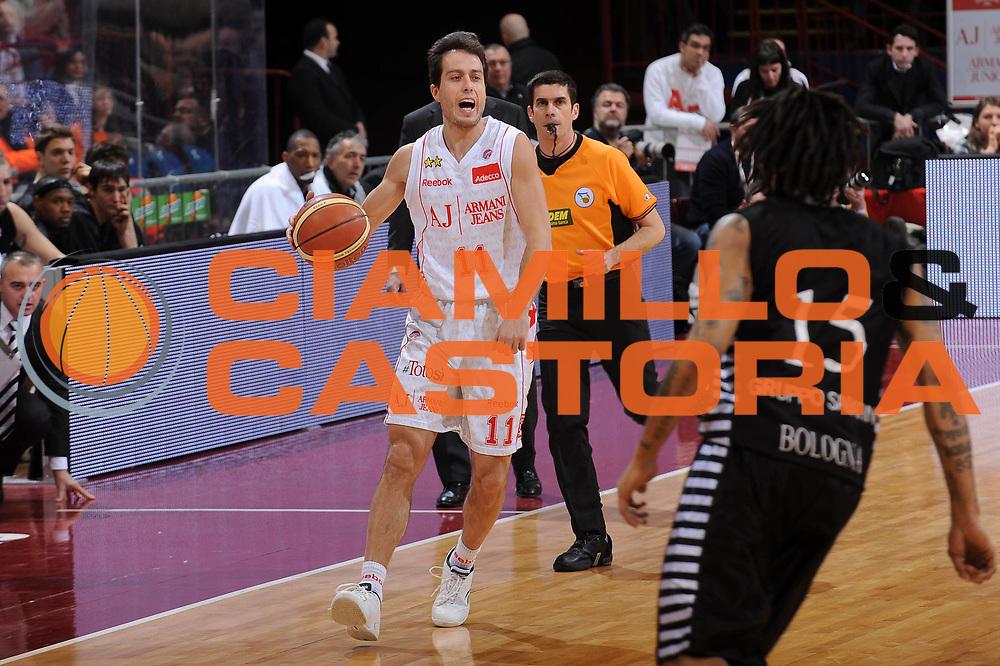 DESCRIZIONE : Milano Lega A 2009-10 Armani Jeans Milano Canadian Solar Bologna<br /> GIOCATORE : Massimo Bulleri<br /> SQUADRA : Armani Jeans Milano<br /> EVENTO : Campionato Lega A 2009-2010 <br /> GARA : Armani Jeans Milano Canadian Solar Bologna<br /> DATA : 07/03/2010<br /> CATEGORIA : Palleggio<br /> SPORT : Pallacanestro <br /> AUTORE : Agenzia Ciamillo-Castoria/A.Dealberto<br /> Galleria : Lega Basket A 2009-2010 <br /> Fotonotizia : Milano Campionato Italiano Lega A 2009-2010 Armani Jeans Milano Canadian Solar Bologna<br /> Predefinita :