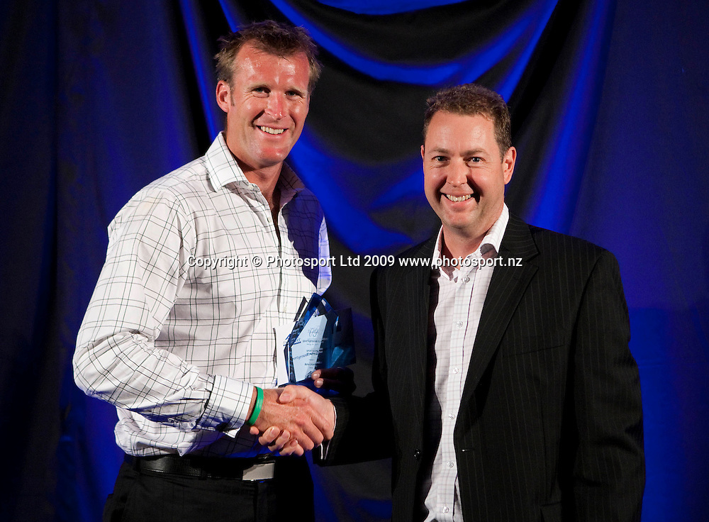 Sportsman of the Year Mahe Drysdale. Sport Auckland Sporting Excellence Awards, Alexandra Park Function Centre, Auckland. Wednesday 9th December 2009. Photo: Simon Watts/PHOTOSPORT