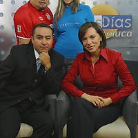 Toluca, Méx.- Monica Mondragon, Felix Garcia y Grettel Luengas, conductores del programa buenos dias de Televisa Toluca. Agencia MVT / Mario Vazquez de la Torre. (DIGITAL)<br /> <br /> NO ARCHIVAR - NO ARCHIVE