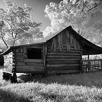 Infrared photo Kentucky cabin