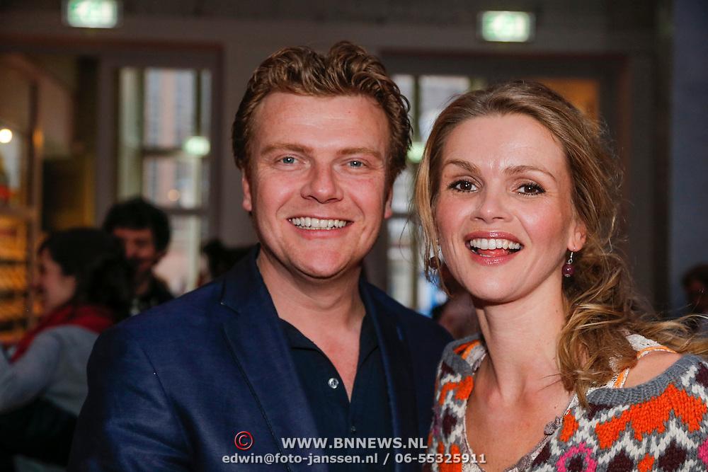 NLD/Den Haag/20130403 - Premiere de Huisvrouwenmonologen, Bastiaan Ragas en partner Tooske Breugem