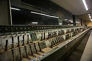 Roma, 27/11/2016: Sotterranei della Stazione Termini dove &egrave; custodito l&rsquo;antico &ldquo;apparato centrale&rdquo;, ossia la cabina di comando della stazione costituita da centinaia di leve manovrate a mano per instradare i treni in arrivo e in partenza.<br /> &copy; Andrea Sabbadini