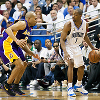 BASKET BALL - PLAYOFFS NBA 2008/2009 - LOS ANGELES LAKERS V ORLANDO MAGIC - GAME 3 -  ORLANDO (USA) - 09/06/2009 - .RAFER ALSTON (MAGIC), DEREK FISHER (LAKERS)