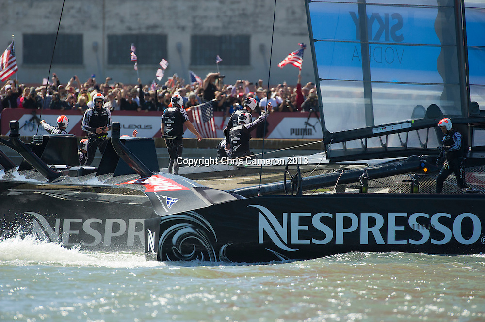 Emirates Team New Zealandwave to their supporters after losing race 17.  America's Cup 34. 24/9/2013