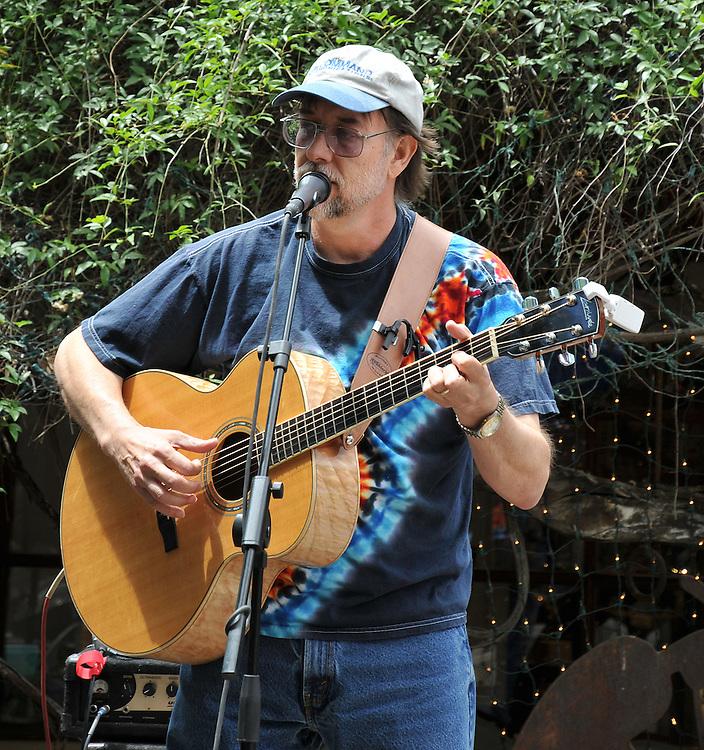 Don Simpson concert at 2010 Tucson Folk Festival. Event photography by Martha Retallick.