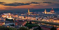 Der Piazzale Michelangelo ist einer der besten Aussichtspunkte von Florenz um das Panorama der Stadt in seinem vollen Glanz zu bewundern.