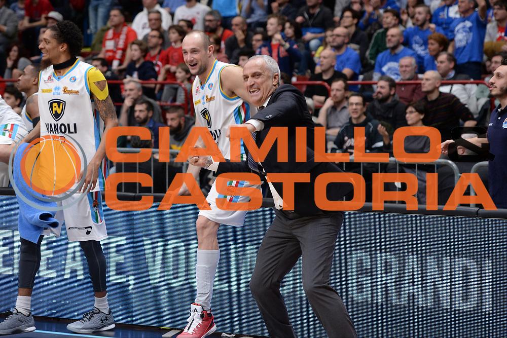 DESCRIZIONE : Milano BEKO Final Eigth  2016<br /> Vanoli Cremona - Dinamo Banco di Sardegna Sassari<br /> GIOCATORE : Cesare Pancotto<br /> CATEGORIA :  Ritratto Esultanza Allenatore Coach<br /> SQUADRA : Vanoli Cremona <br /> EVENTO : BEKO Final Eight 2016<br /> GARA : Vanoli Cremona - Dinamo Banco di Sardegna Sassari<br /> DATA : 19/02/2016<br /> SPORT : Pallacanestro<br /> AUTORE : Agenzia Ciamillo-Castoria/M.Longo<br /> Galleria : Lega Basket A 2016<br /> Fotonotizia : Milano Final Eight  2015-16 Vanoli Cremona - Dinamo Banco di Sardegna Sassari<br /> Predefinita :