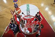 DESCRIZIONE : Teramo Lega A1 2008-09 Bancatercas Teramo Angelico Biella<br /> GIOCATORE : Brandon Brown Luca Garri<br /> SQUADRA : Bancatercas Teramo Angelico Biella<br /> EVENTO : Campionato Lega A1 2008-2009<br /> GARA : Bancatercas Teramo Angelico Biella<br /> DATA : 31/01/2009<br /> CATEGORIA : Rimbalzo Special<br /> SPORT : Pallacanestro<br /> AUTORE : Agenzia Ciamillo-Castoria/G.Ciamillo