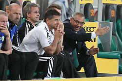 19.08.2011,  BorussiaPark, Mönchengladbach, GER, 1.FBL, Borussia Mönchengladbach vs Vfl Wolfsburg, im Bild.Felix Magath (Trainer Wolfsburg) (R)..// during the 1.FBL, Borussia Mönchengladbach vs Vfl Wolfsburg on 2011/08/19, BorussiaPark, Mönchengladbach, Germany. EXPA Pictures © 2011, PhotoCredit: EXPA/ nph/  Mueller *** Local Caption ***            ****** out of GER / CRO  / BEL ******