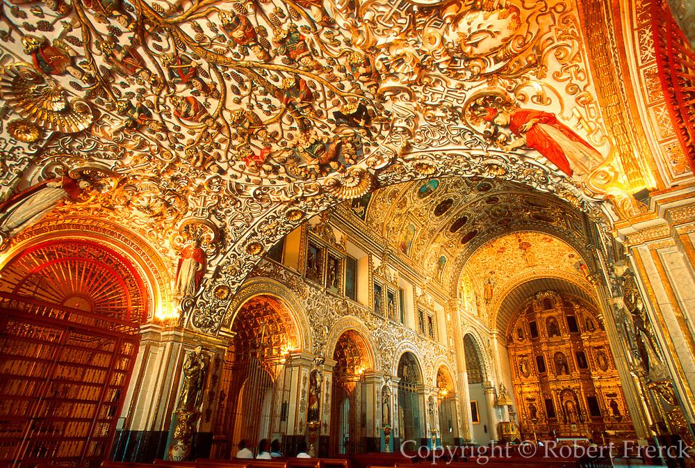 MEXICO, COLONIAL CITIES Oaxaca; Santo Domingo, folkart