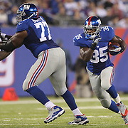 Andre Brown, New York Giants, in action during the New York Giants Vs Green Bay Packers, NFL American Football match at MetLife Stadium, East Rutherford, New Jersey, USA. 17th November 2013. Photo Tim Clayton