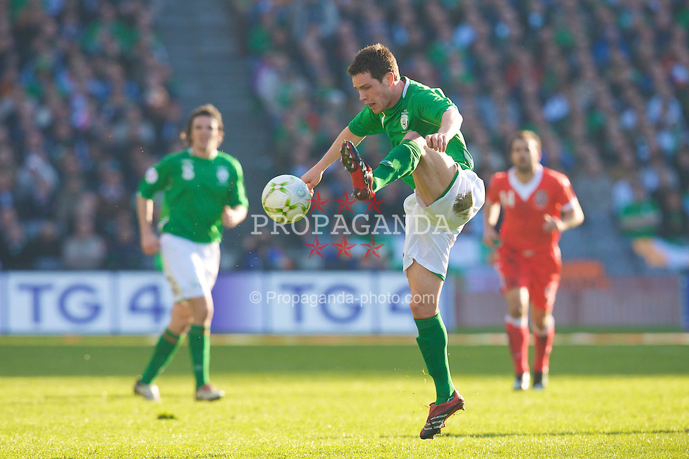 DUBLIN, REPUBLIC OF IRELAND - Saturday, March 24, 2007: Republic of Ireland's Steve Finnan in action against Wales during the UEFA European Championships 2008 Group D qualifying match at Croke Park. (Pic by David Rawcliffe/Propaganda)