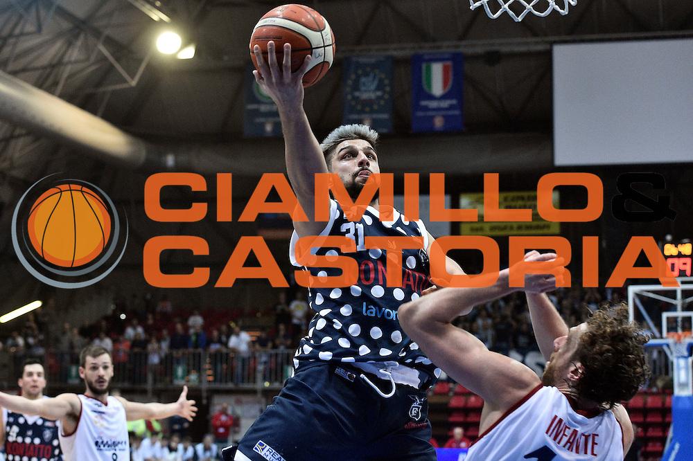 Nazzareno Italiano<br /> UCC Assigeco Piacenza - Fortitudo Kontatto Bologna<br /> Campionato Basket A2 LNP 2016/2017<br /> Piacenza, 11/12/2016<br /> Foto Ciamillo-Castoria