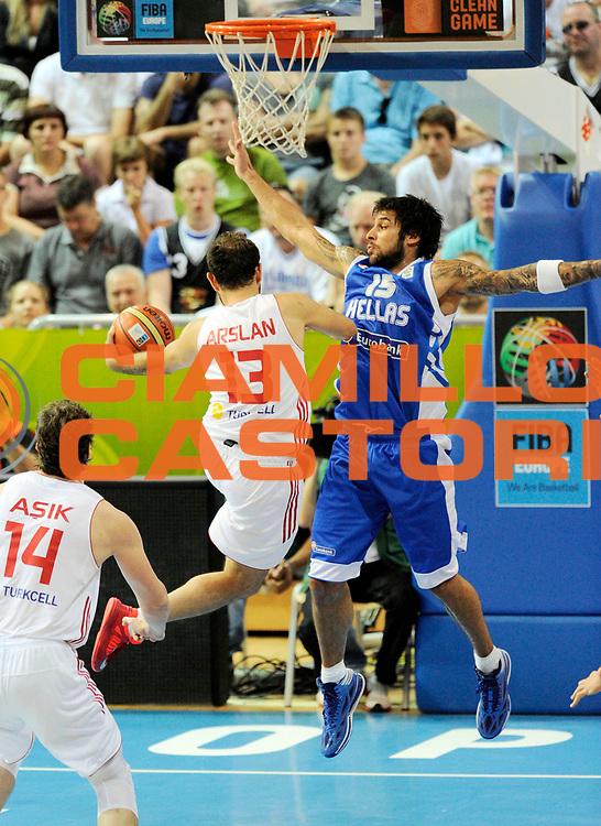 DESCRIZIONE : Capodistria Koper Slovenia Eurobasket Men 2013 Preliminary Round Turchia Grecia Turkey Greece<br /> GIOCATORE : Georgios Printezis<br /> CATEGORIA : difesa special<br /> SQUADRA : Grecia<br /> EVENTO : Eurobasket Men 2013<br /> GARA : Turchia Grecia Turkey Greece<br /> DATA : 07/09/2013 <br /> SPORT : Pallacanestro&nbsp;<br /> AUTORE : Agenzia Ciamillo-Castoria/N. Dalla Mura<br /> Galleria : Eurobasket Men 2013 <br /> Fotonotizia : Capodistria Koper Slovenia Eurobasket Men 2013 Preliminary Round Turchia Grecia Turkey Greece
