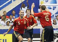 Fussball  International  FIFA  FUTSAL WM 2008   09.10.2008 Vorrunde Gruppe D Spain - Uruguay Spanien - Uruguay von links FERNANDO (ESP), MARCELO (ESP) und ALVARO (EPS) jubeln nach Fernandos Tor.