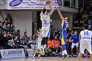DESCRIZIONE : Eurolega Euroleague 2015/16 Group D Dinamo Banco di Sardegna Sassari - Maccabi Fox Tel Aviv<br /> GIOCATORE : Joe Alexander<br /> CATEGORIA : Tiro Tre Punti Three Point Controcampo Ritardo Ultimo Tiro Buzzer Beater<br /> SQUADRA : Dinamo Banco di Sardegna Sassari<br /> EVENTO : Eurolega Euroleague 2015/2016<br /> GARA : Dinamo Banco di Sardegna Sassari - Maccabi Fox Tel Aviv<br /> DATA : 03/12/2015<br /> SPORT : Pallacanestro <br /> AUTORE : Agenzia Ciamillo-Castoria/L.Canu