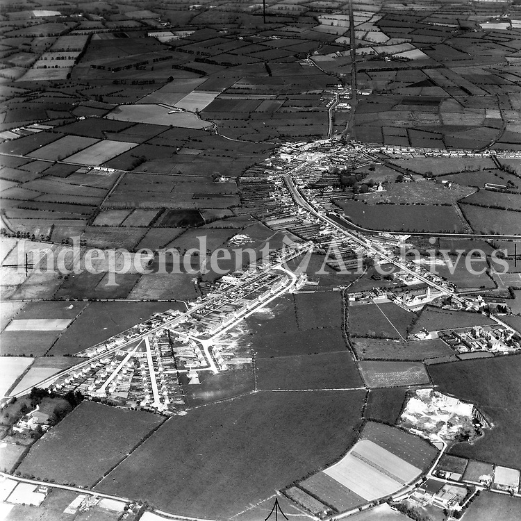 A190 Edenderry.   19/05/53. (Part of the Independent Newspapers Ireland/NLI collection.)<br /> <br /> <br /> These aerial views of Ireland from the Morgan Collection were taken during the mid-1950's, comprising medium and low altitude black-and-white birds-eye views of places and events, many of which were commissioned by clients. From 1951 to 1958 a different aerial picture was published each Friday in the Irish Independent in a series called, 'Views from the Air'.The photographer was Alexander 'Monkey' Campbell Morgan (1919-1958). Born in London and part of the Royal Artillery Air Corps, on leaving the army he started Aerophotos in Ireland. He was killed when, on business, his plane crashed flying from Shannon.