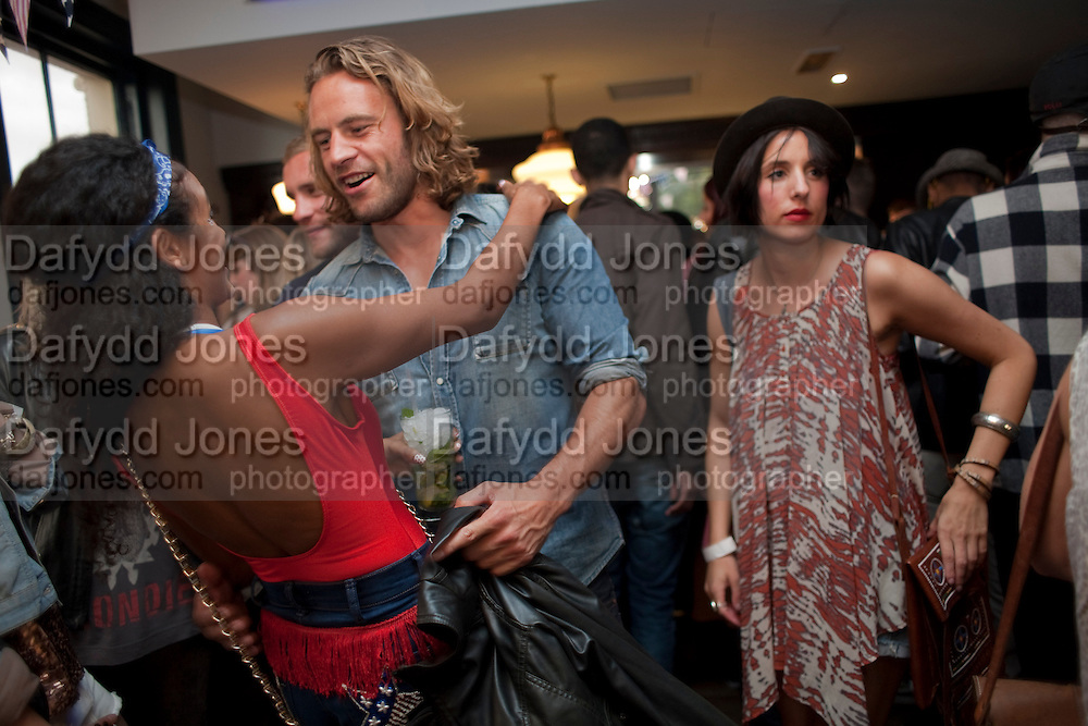 EMMA MAINOO; GREG COX; JENNA BUTTER, WranglerÕs Nottinghill Carnival Party at the Bumpkin restaurant.  Westbourne Park Rd. London W1. 28 August 2011. <br /> <br />  , -DO NOT ARCHIVE-© Copyright Photograph by Dafydd Jones. 248 Clapham Rd. London SW9 0PZ. Tel 0207 820 0771. www.dafjones.com.<br /> EMMA MAINOO; GREG COX; JENNA BUTTER, Wrangler's Nottinghill Carnival Party at the Bumpkin restaurant.  Westbourne Park Rd. London W1. 28 August 2011. <br /> <br />  , -DO NOT ARCHIVE-© Copyright Photograph by Dafydd Jones. 248 Clapham Rd. London SW9 0PZ. Tel 0207 820 0771. www.dafjones.com.