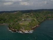 """El Fuerte de San Lorenzo, localizado a la entrada del río Chagres en la provincia de Colón, Panamá. Fue declarado por la UNESCO como Patrimonio de la Humanidad en el año 1980 bajo la denominación de las Fortificaciones de la costa caribe de Panamá, con las fortificaciones de la ciudad de Portobelo. Formaban el sistema defensivo para el comercio transatlántico de la Corona de España y constituyen un magnífico ejemplo de la arquitectura militar de los siglos XVII y XVIII.<br /> <br /> El fuerte de San Lorenzo es una de las más antiguas fortalezas españolas en América. Está localizado próximo a lo que fue el viejo asiento del pueblo de Chagres, en la desembocadura del río del mismo nombre, y fue a través de este río que el pirata Henry Morgan llegó a la ciudad de Panamá """"La Vieja"""" para saquearla.<br /> <br /> ©Alejandro Balaguer/Fundación Albatros Media."""