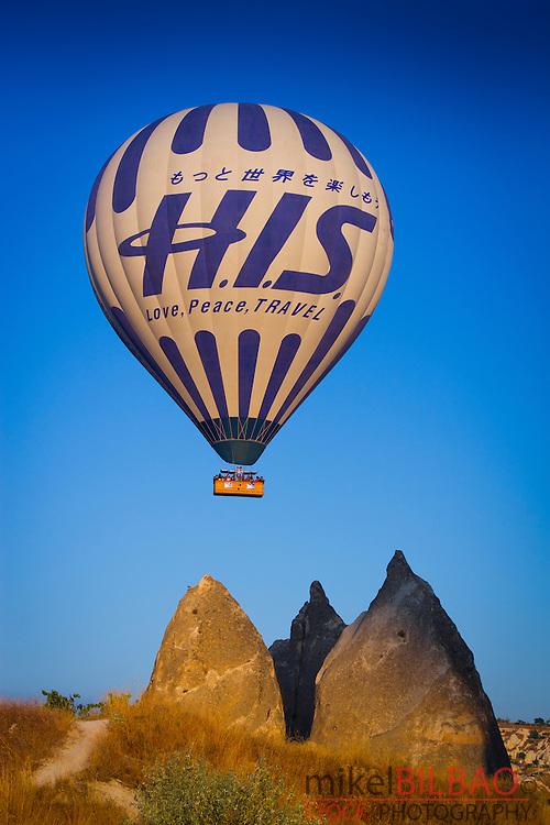 Hot-air ballon. Capadoccia, Turkey