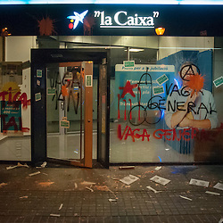 Groups broke away from the planned organised general strike of November 14, 2012 and attacked a few banks with graffiti and stickers.