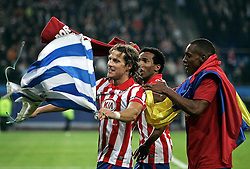 12.05.2010, Hamburg Arena, Hamburg, GER, UEFA Europa League Finale, Atletico Madrid vs Fulham FC im Bild.Atletico de Madrid's Diego Forlan, Paulo Assuncao and Luis Perea celebrate during UEFA Europa League final match,. EXPA Pictures © 2010, PhotoCredit: EXPA/ nph/  Alvaro Hernandez / SPORTIDA PHOTO AGENCY