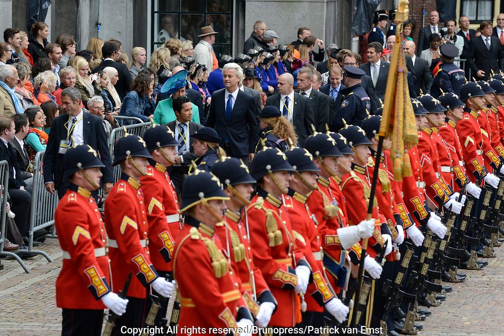 Prinsjesdag 2013 - Aankomst Parlementari&euml;rs bij de Ridderzaal op het Binnenhof.<br /> <br /> Op de foto: Tweede Kamerlid Geert Wilders (PVV) met zijn vrouw