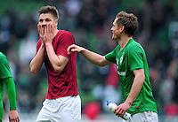 FUSSBALL   1. BUNDESLIGA   SAISON 2011/2012   25. SPIELTAG SV Werder Bremen - Hannover 96                        11.03.2012 Sebastian Proedl (li) und Markus Rosenberg (re, beide SV Werder Bremen) freuen sich nach dem Abpfiff