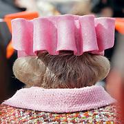 NLD/Makkum/20080430 - Koninginnedag 2008 Makkum, achterzijde koninging Beatrix