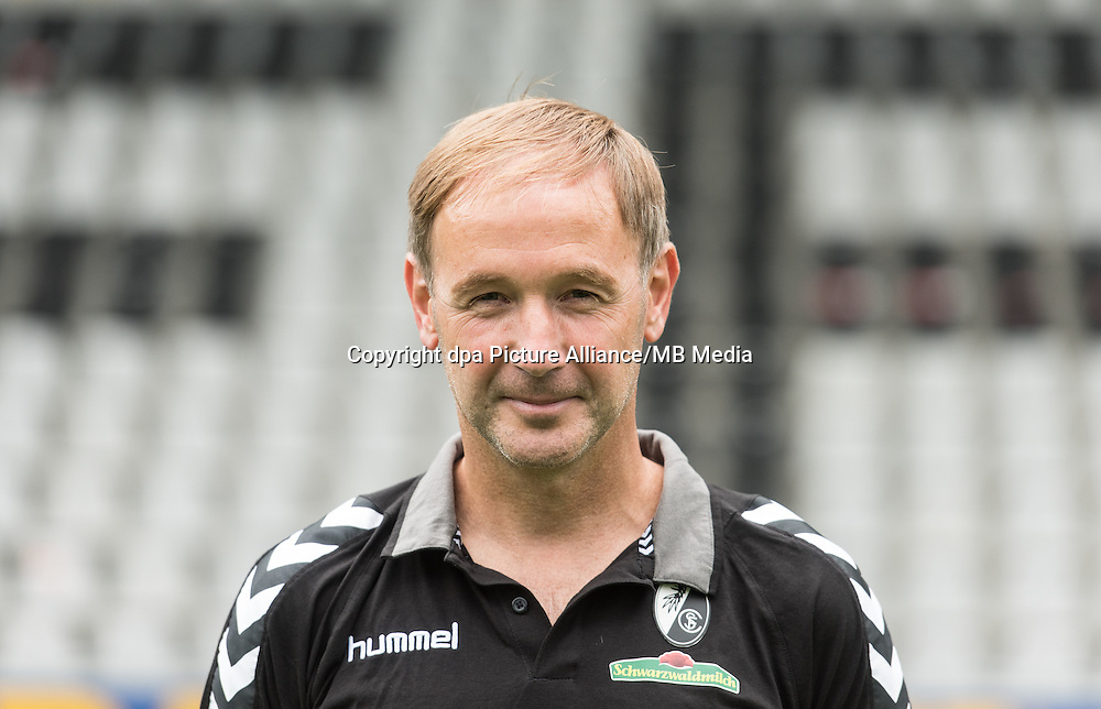 German Bundesliga - Season 2016/17 - Photocall SC Freiburg on 5 August 2016 in Freiburg, Germany: Assistant coach Patrick Baier. Photo: Patrick Seeger/dpa   usage worldwide