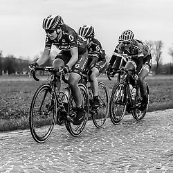 25-02-2017: Wielrennen: Omloop Het Nieuwsblad: Gent  <br /> Annemiek van Vleuten, Chantal BLaak