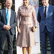 NLD/Nieuwegein/20191129 - Maxima bij jubileumcongres CNV Vakmensen, Koningin Maxima en voorzitter CNV Piet Fortuin