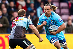 Anton Bresler of Worcester Warriors takes on Chris Robshaw of Harlequins - Mandatory by-line: Robbie Stephenson/JMP - 16/02/2019 - RUGBY - Twickenham Stoop - London, England - Harlequins v Worcester Warriors - Gallagher Premiership Rugby
