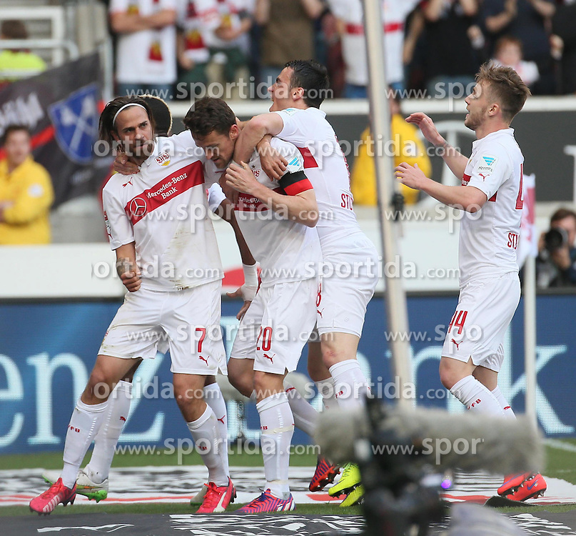 12.04.2015, Mercedes Benz Arena, Stuttgart, GER, 1. FBL, VfB Stuttgart vs SV Werder Bremen, 28. Runde, im Bild Freude beim VfB Stuttgart nach dem Treffer durch Christian Gentner (VfB Stuttgart) zum 1 zu 0 // during the German Bundesliga 28th round match between VfB Stuttgart and SV Werder Bremen at the Mercedes Benz Arena in Stuttgart, Germany on 2015/04/12. EXPA Pictures &copy; 2015, PhotoCredit: EXPA/ Eibner-Pressefoto/ Fudisch<br /> <br /> *****ATTENTION - OUT of GER*****