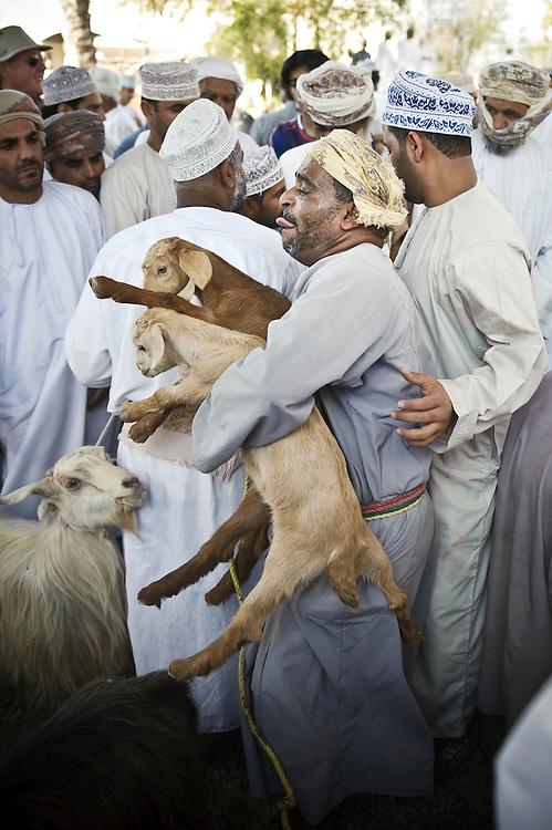 Nizwa, Sultanate of Oman - 28 November 2008.Animal market in Nizwa city..Photo: EZEQUIEL SCAGNETTI.